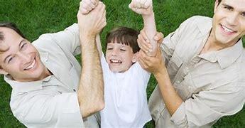 E' trascrivibile in Italia l'adozione del figlio di due padri degli USA